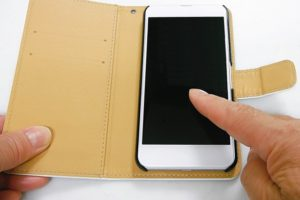 iPhoneケース、カバー